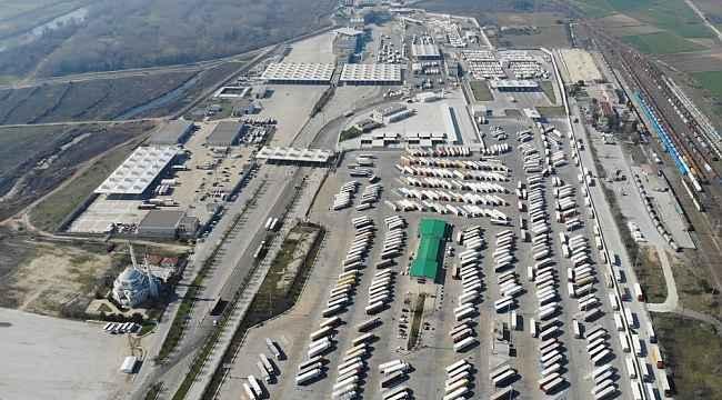 Elektronik randevu sistemi devre dışı kaldı, Kapıkule'de tır şoförleri yine beklemeye başladı