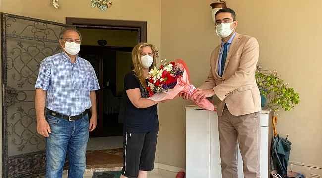 Sağlık Müdürlüğü, Covid-19'dan yaşamını yitiren sağlık çalışanlarının eşlerini unutmadı