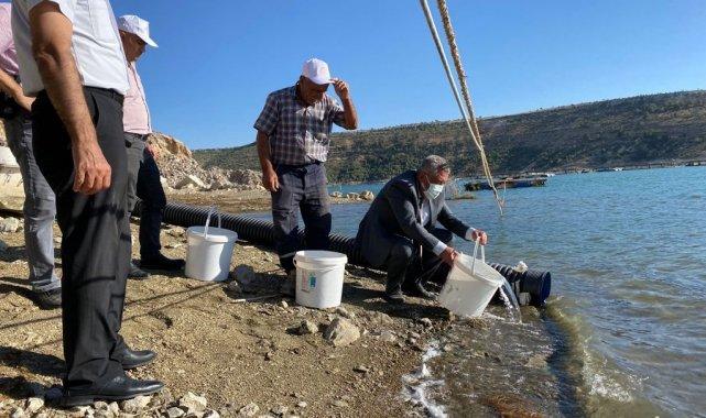 Karaman'da Fisandun göletine 250 bin yavru sazan bırakıldı